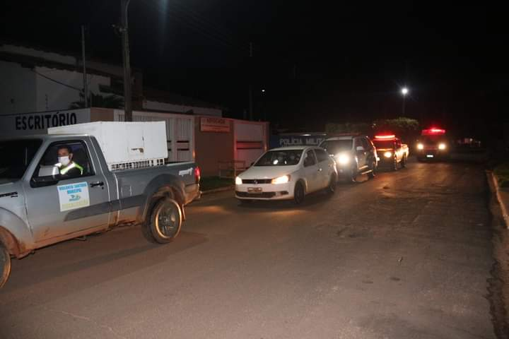 Vigilância em epidemiologia, Corpo de Bombeiros, Polícia Militar, vigilância em saúde e sanitária fiscalizam toque de recolher em Água Clara